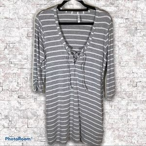 Kenneth Cole gray & white striped tunic w/pockets